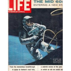 Life Magazine Volume 39 , No. 12: Special Double Issue The Mid '60s Entering a New Era