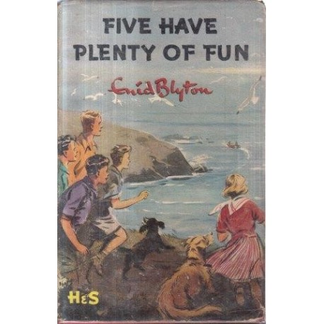 The Famous Five: Five Have a Puzzling Time